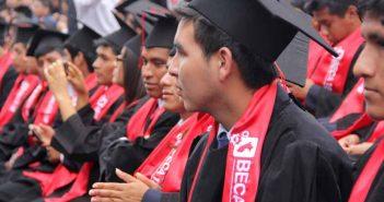 Beca 18 los primeros graduados