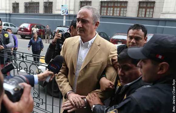 Exgobernador del Callao sentenciado por corrupción.