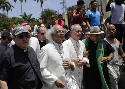 Los Obispos de Nicaragua marchan contra la represión violenta en el país
